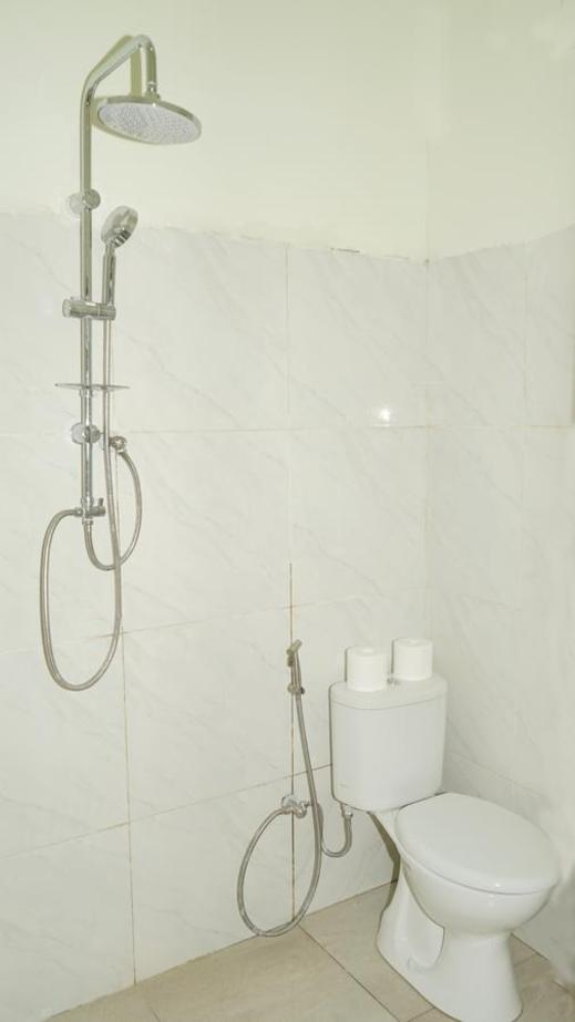 New Chez Felix Manggarai Barat - Bathroom