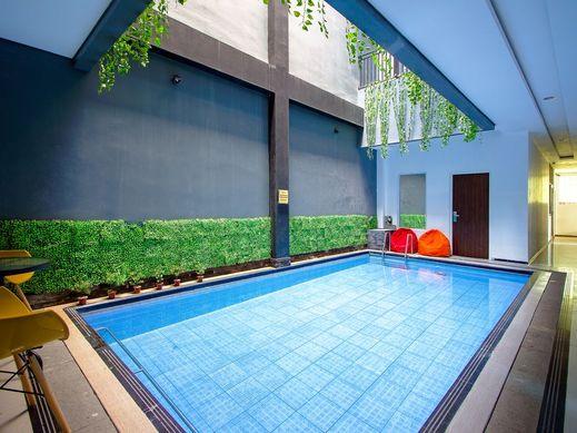 Premier Guest House Jogja Yogyakarta - Pool