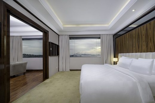 Swiss-Belhotel Harbour Bay Batam - Suite Room