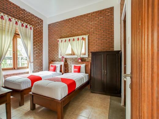 OYO 3896 Villa Pesona Wisata Puncak Cianjur - Bedroom