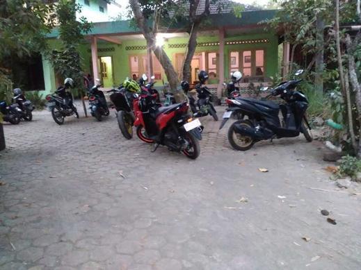 Setro Kariyo Homestay Yogyakarta - Teras