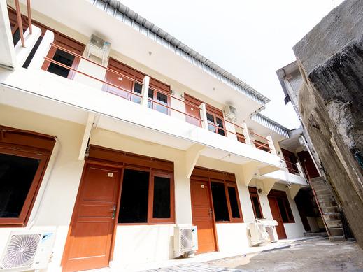 OYO 591 MN Residence Jakarta - Facade