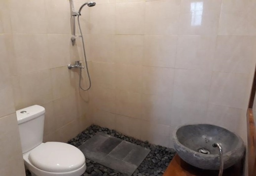Sujana Homestay Bali - Bathroom