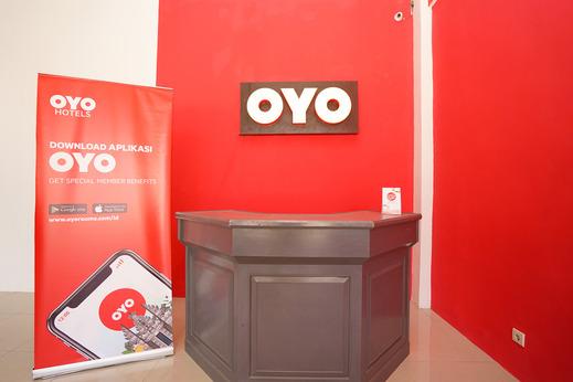 OYO 877 Bypass Town Square Mojokerto - Reception