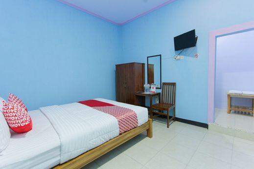 OYO 1291 Asipra House Banyuwangi - Bedroom