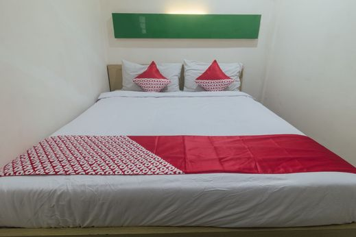 OYO 1629 Nadine's Home Ambon - Bedroom