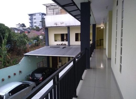 Imah Incu Inn Lembang - Tampilan luar