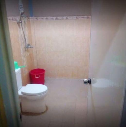 Villa Gayatri Pasuruan - Bathroom