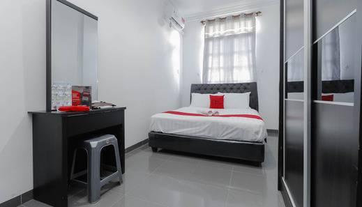RedDoorz Plus near Batam City Square Batam -