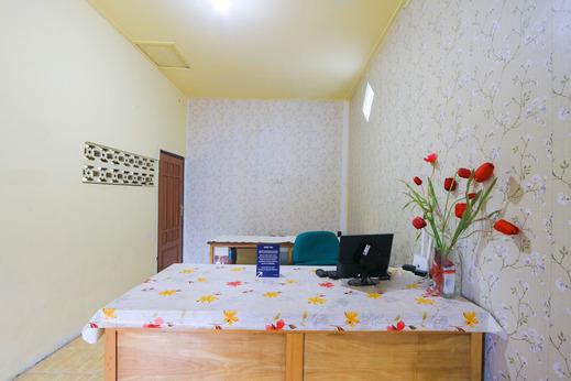 SPOT ON 2497 Pesona Guest House Banyuwangi - Reception