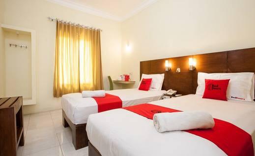 RedDoorz near Marvel City Mall Surabaya - Room