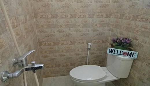 Villa Nella Malang - Bathroom