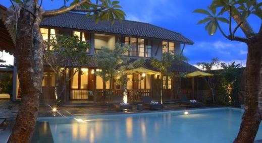 Warisan Heritage Boutique Hotel Solo - Kolam Renang