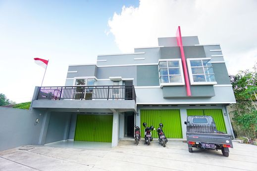 OYO 1064 Manado Airport Homestay Manado - Facade