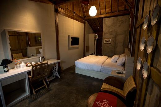 Kampung Lawasan Heritage Cottage Yogyakarta - tampak lain kamar Deluxe Double Bed kami