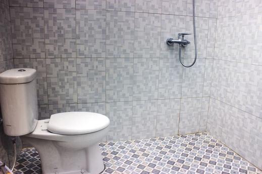 Tangkoko Guesthouse Minahasa Utara - Bathroom