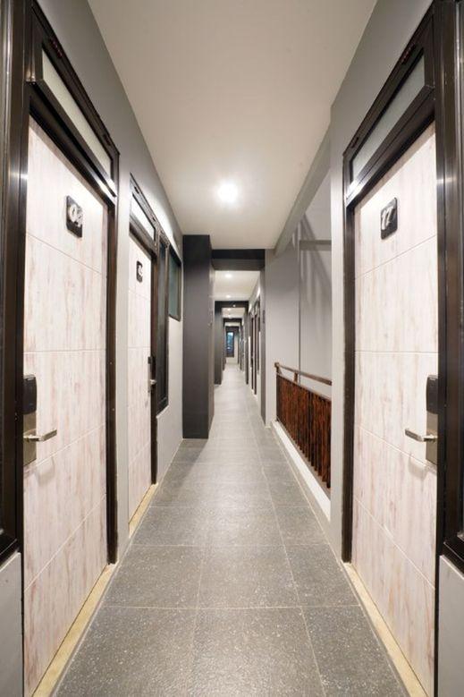 D'Paragon Kebon Jeruk Jakarta - Corridor