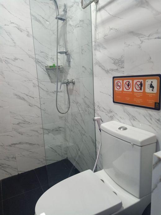 49Guest House Banjarmasin - Bathroom
