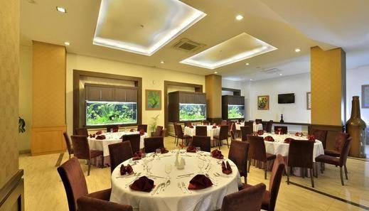 Gino Feruci Kebon Jati by KAGUM Hotels Kebon Jati - Restaurant