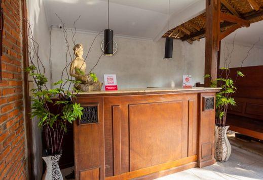 OYO 2068 Abhaya Mudra Homestay Magelang - Reception