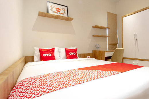 OYO 1476 Asoka Family Residence Medan - Room