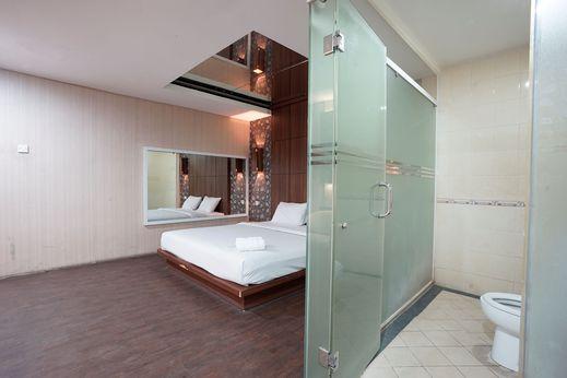 Hotel New Pesona Bekasi - Bedroom