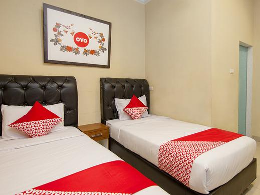 OYO 799 Hotel Dieng Karo - standard twin