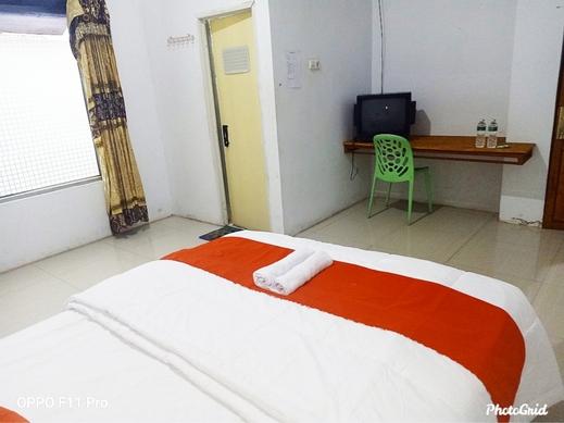 J Syariah Guest House Bukittinggi - Room