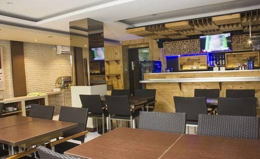Tinggal Standard Jalan Kalimantan Gubeng - Restoran