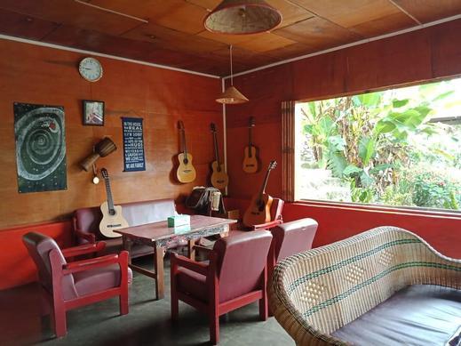 Laster Jony's Guest House Danau Toba - Surroundings