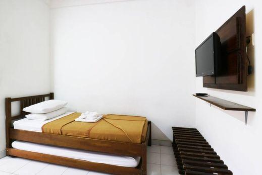 Hotel Pondok Remaja PGI Puncak - Room Reguler