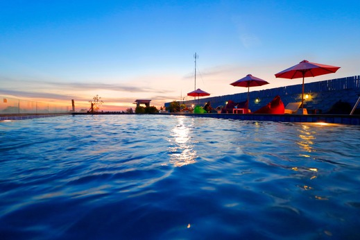 Koa D Surfer Hotel Bali - Kolam di atap