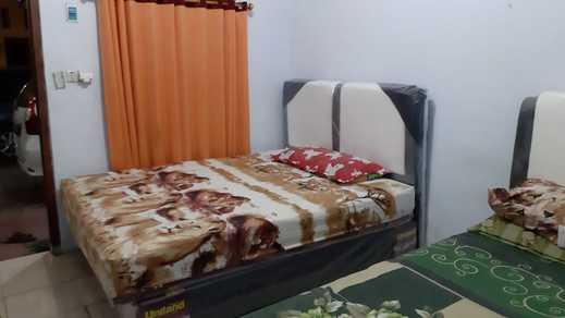 Kost Hotel Pekalongan Pekalongan - spring bed dua