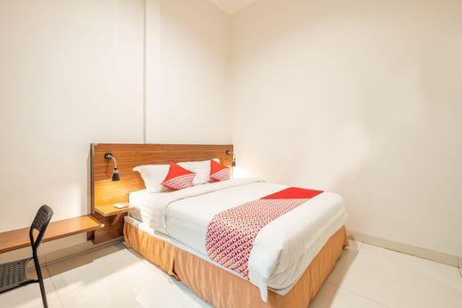 OYO 1308 Darmo Near RS Hermina Pasteur Bandung - Bedroom