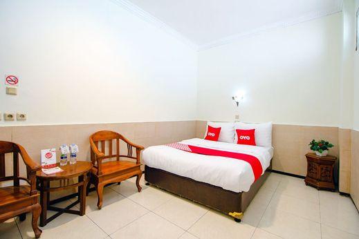 OYO 1683 Hotel Musafira Syariah Yogyakarta - Bedroom