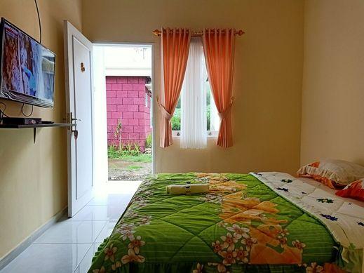 Istana Bromo Resort and Resto Probolinggo - standard room