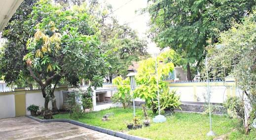 De Hoff Cihampelas Guest House Bandung - (25/Feb/2014)