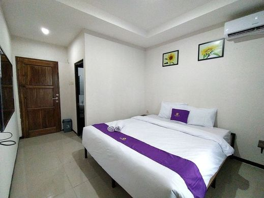 Nirmala Guest House Malang - Bedroom