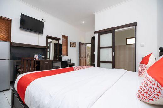 OYO 2417 Panen House Bali - Bedroom