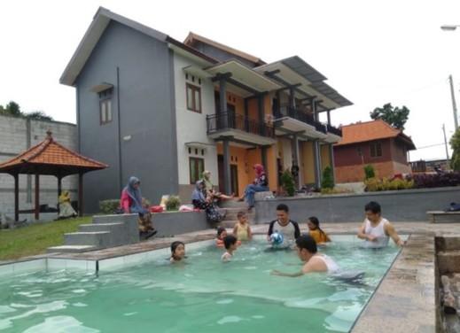 Villa Kangen Omah Mojokerto - Pool
