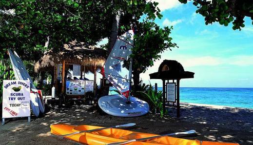 Kila Senggigi Beach Hotel Lombok - Olahraga air