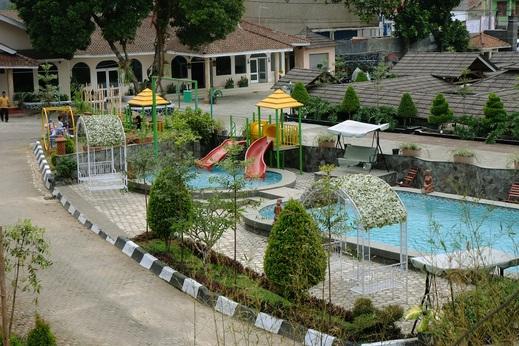 Hotel Pesona Ciwidey - pool