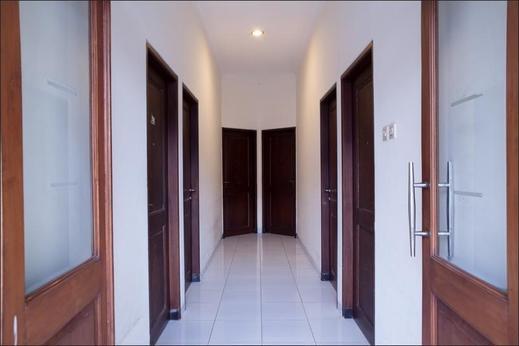 RedDoorz @ Genteng Surabaya Surabaya - Interior