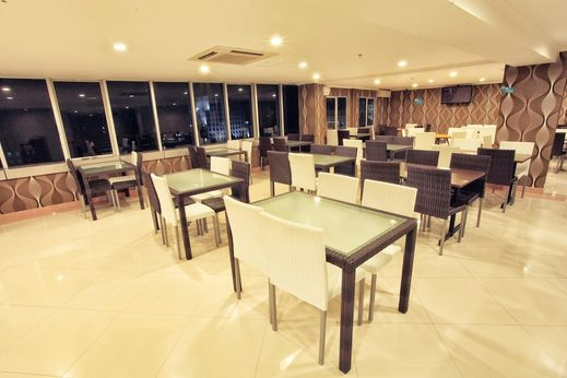 Everyday Smart Hotel Malang - Breakfast Area