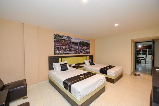 OYO 2487 Sampurna Jaya Hotel Tanjung Pinang - Bedroom