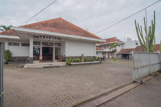 Yehezkiel Hotel Lembang Lembang - Photo