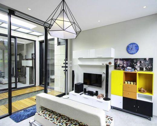 Villa Adiel 4 Malang - Living Room