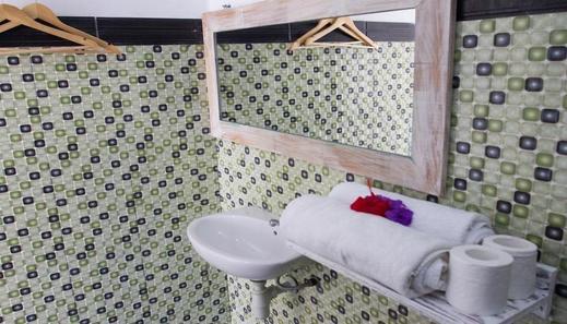 Dimi House Bali - Bathroom