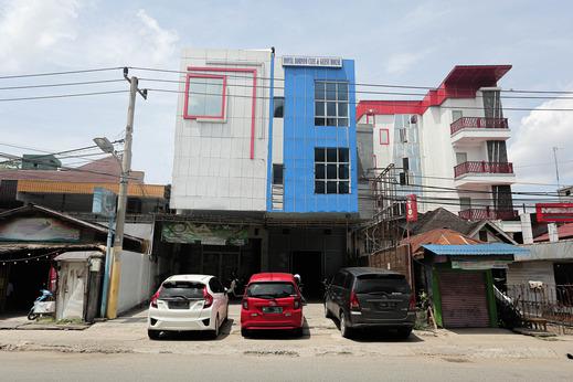 OYO 2524 Royal Borneo Guesthouse Banjarmasin - Facade