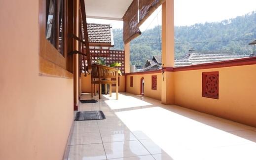 Rajaka Homestay Malang - Interior